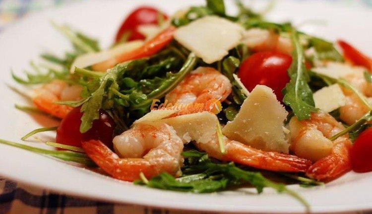 Салат с креветками и рукколой от Александра Иванова