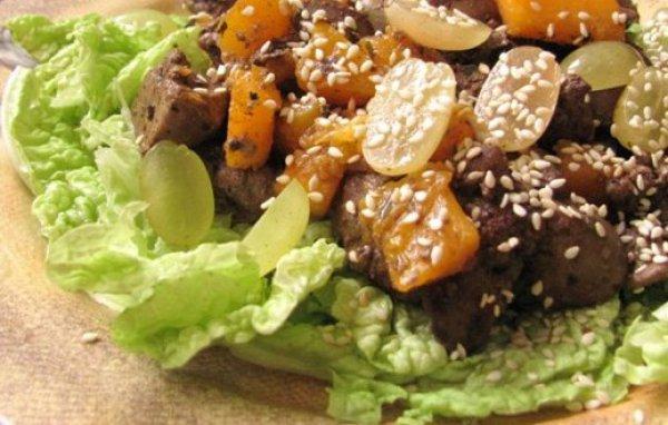Салат из куриной печени с виноградом (Время обедать)