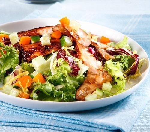 Салат из жаренной картошки с форелью (Контрольная закупка)