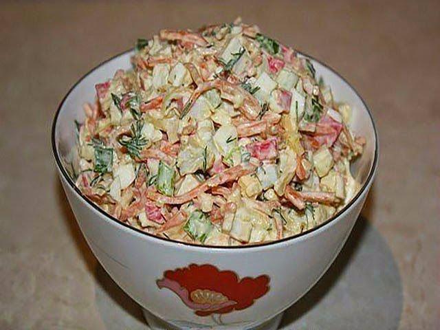 Салат из крабовых палочек с корейской морковкой (Барышня и кулинар)