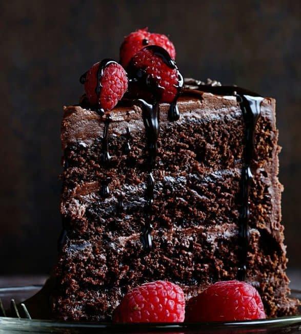 Как испечь нежный ароматный шоколадный торт?